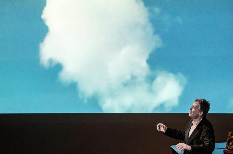 MoE Museum of Emptiness / Ariarium / Filmabend mit Live Gesang von Walter Siegfried